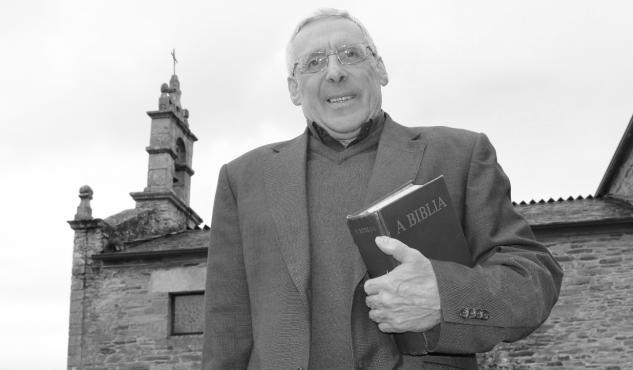 Déixanos Xosé Manuel Carballo, párroco, mago e impulsor cultural