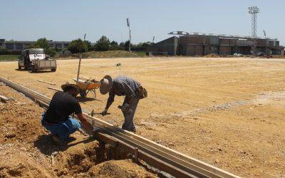 Calfensa ejecuta la tercera fase del campo de hierba artificial de Castro